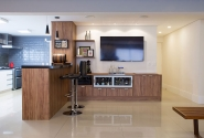 Depois: Vista cozinha aberta - bar.