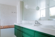 Depois - Vista geral banheiro casal.